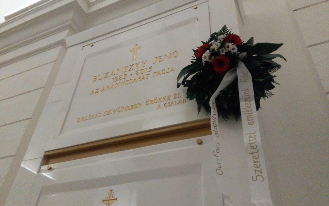 Koszorúzással emlékeztünk a két éve elhunyt Buzánszky Jenőre!