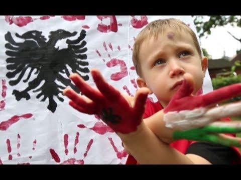 Az albán ovisoknak kedveskedtünk
