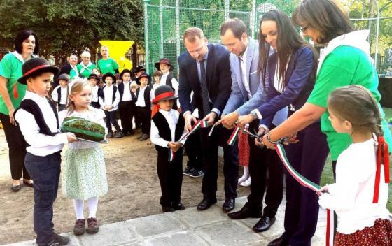 Miniszter adta át a 164. Ovi-Foci Pályát Tiszaroffon