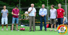 Buzánszky Jenő adta át a tusványosi focitorna díjait